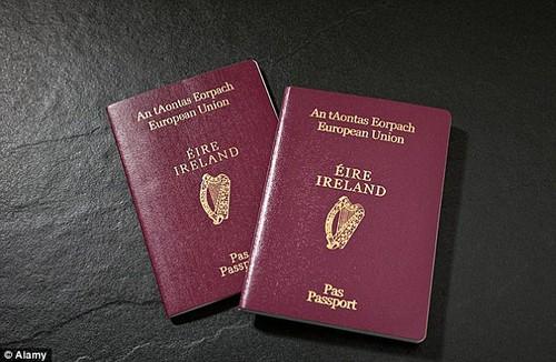 Người Anh ào ạt xin hộ chiếu Ireland hậu Brexit - ảnh 3
