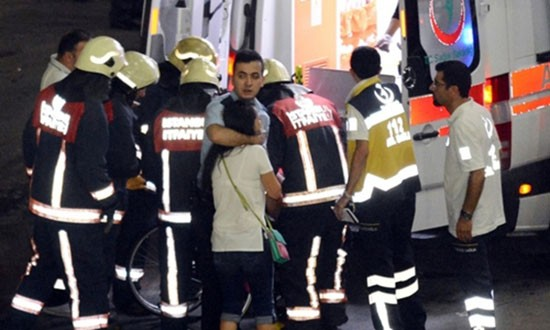 Nhân chứng xả súng Thổ Nhĩ Kỳ: 'Kẻ khủng bố bắn bất cứ ai' - ảnh 1