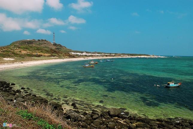 Vẻ đẹp hoang sơ và hùng vĩ của biển đảo Phú Quý - ảnh 7