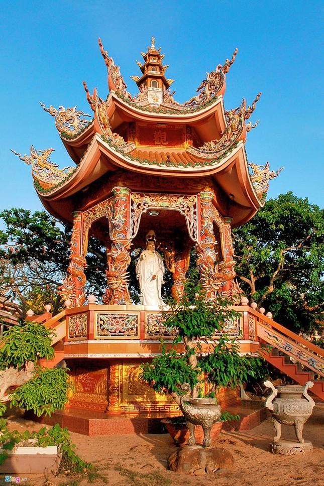 Vẻ đẹp hoang sơ và hùng vĩ của biển đảo Phú Quý - ảnh 4