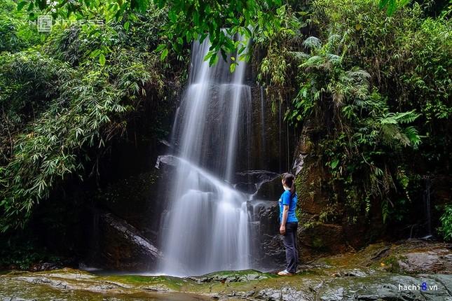 Những dòng thác mát lành ngay ngoại ô Hà Nội - ảnh 10