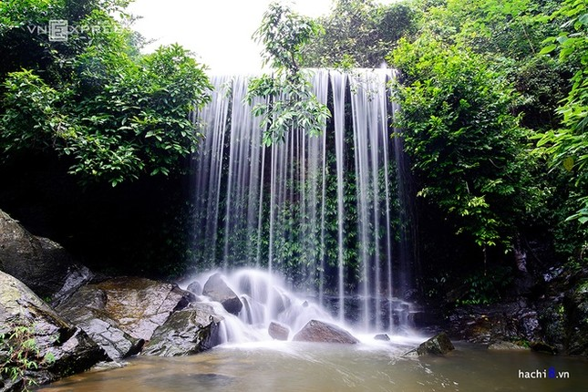 Những dòng thác mát lành ngay ngoại ô Hà Nội - ảnh 3