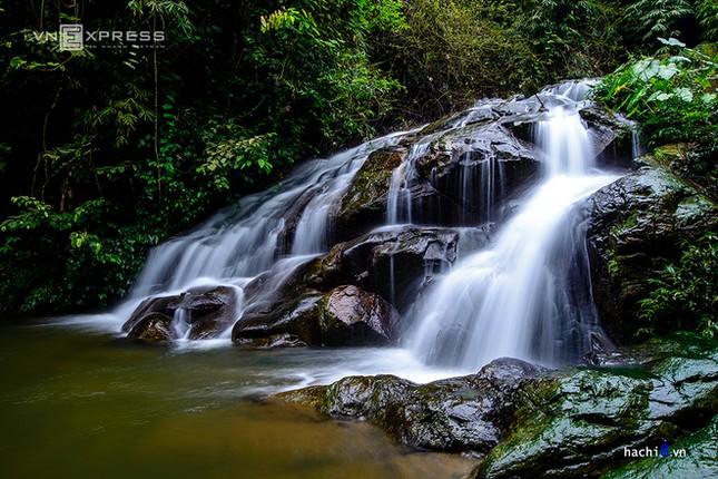 Những dòng thác mát lành ngay ngoại ô Hà Nội - ảnh 4