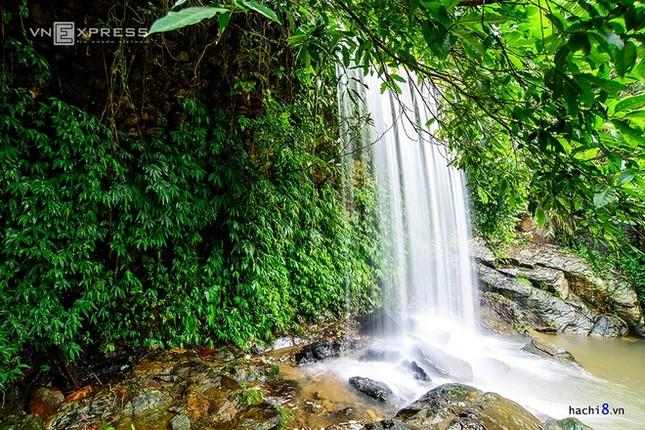 Những dòng thác mát lành ngay ngoại ô Hà Nội - ảnh 7