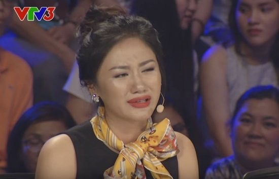 Văn Mai Hương khóc nức nở trên sóng trực tiếp của VTV - ảnh 2