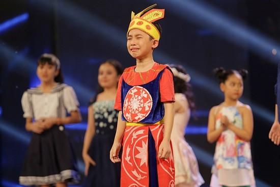 Văn Mai Hương khóc nức nở trên sóng trực tiếp của VTV - ảnh 12