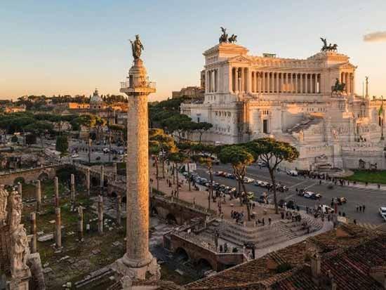 Điều gì được chạm khắc trên cột đá ở Rome - ảnh 1