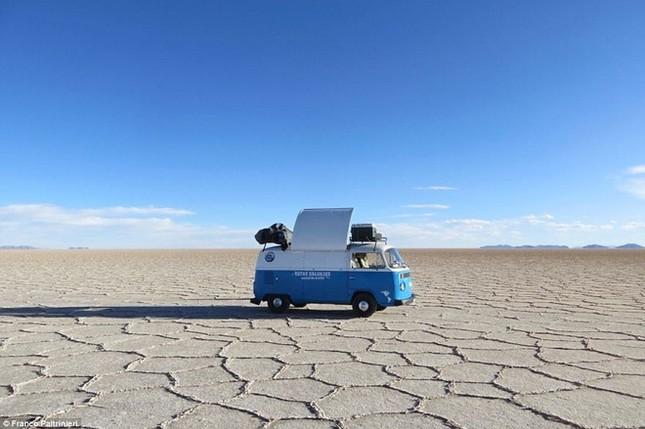 Anh chàng vòng quanh thế giới bằng xe bán sandwich - ảnh 7