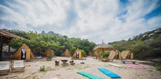 6 địa điểm ngủ lều bên bãi biển đang hot ở Việt Nam - ảnh 1