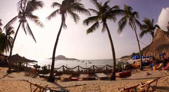 6 địa điểm ngủ lều bên bãi biển đang hot ở Việt Nam - ảnh 3