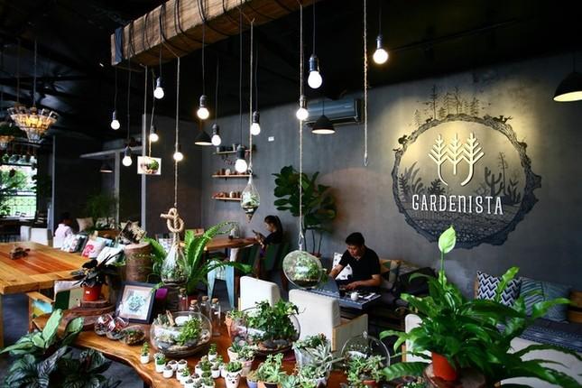 Quán cà phê ngập tràn cây xanh ở Hà Nội - ảnh 6