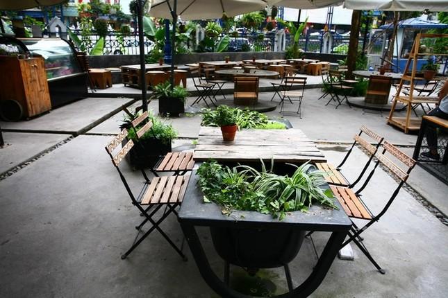 Quán cà phê ngập tràn cây xanh ở Hà Nội - ảnh 9