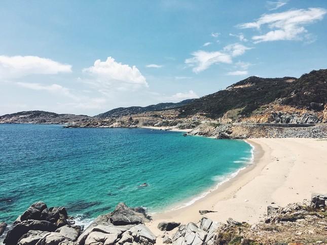 Vịnh Vĩnh Hy - nét đẹp hoang sơ ngày hè - ảnh 2