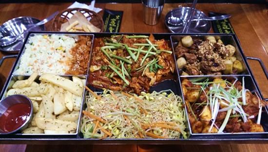 Các quán gà Hàn Quốc đang 'làm mưa làm gió' ở Hà Nội - ảnh 4