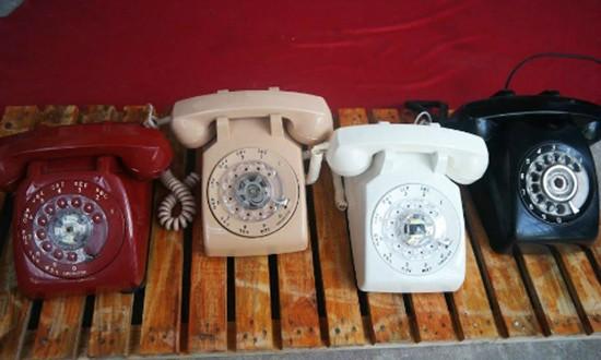 Chơi điện thoại bàn cổ - ảnh 2