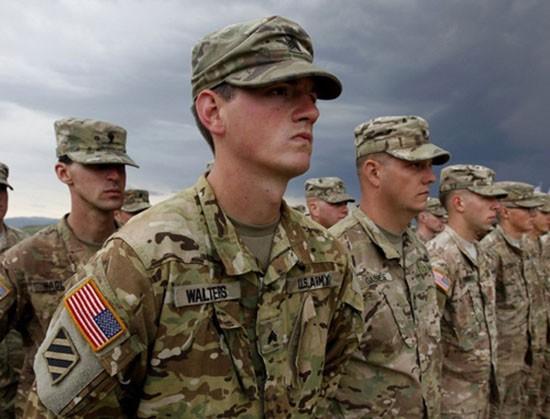 Quân đội Mỹ bỏ lệnh cấm người chuyển giới - ảnh 1
