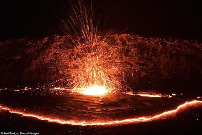Cổng Địa ngục bùng cháy suốt trăm năm ở Ethiopia - ảnh 1
