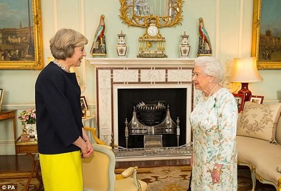 Bà Theresa May chính thức trở thành thủ tướng Anh - ảnh 1