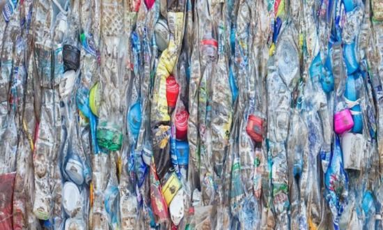 Công nghệ biến rác thải nhựa thành dầu diesel - ảnh 1