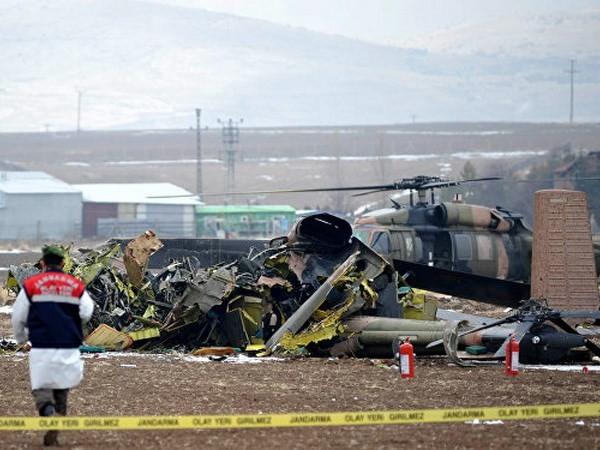 Máy bay quân sự rơi trong khi huấn luyện, 2 người chết - ảnh 1