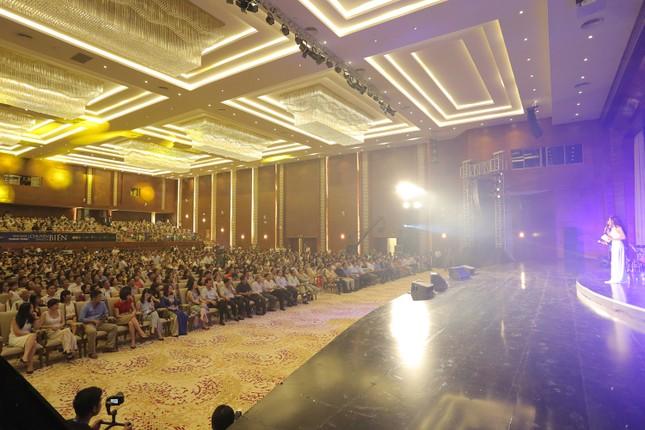 Đêm nhạc Thanh Tùng tại FLC Quy Nhơn: Khởi đầu một sức sống mới - ảnh 1