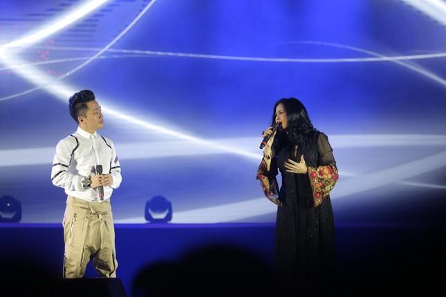 Đêm nhạc Thanh Tùng tại FLC Quy Nhơn: Khởi đầu một sức sống mới - ảnh 2