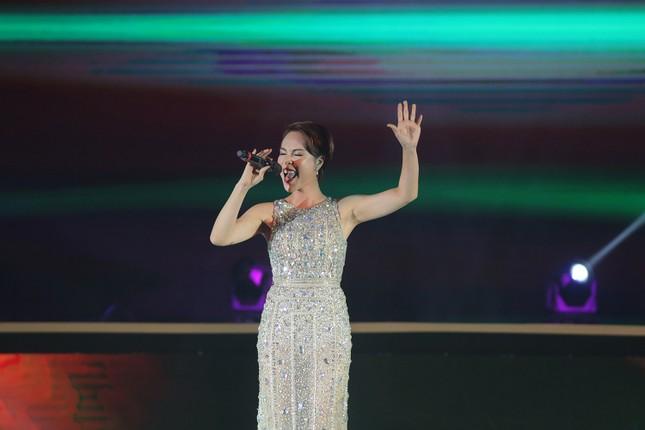 Đêm nhạc Thanh Tùng tại FLC Quy Nhơn: Khởi đầu một sức sống mới - ảnh 7