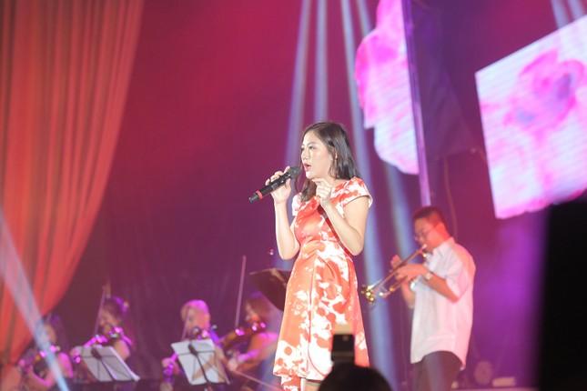 Đêm nhạc Thanh Tùng tại FLC Quy Nhơn: Khởi đầu một sức sống mới - ảnh 8