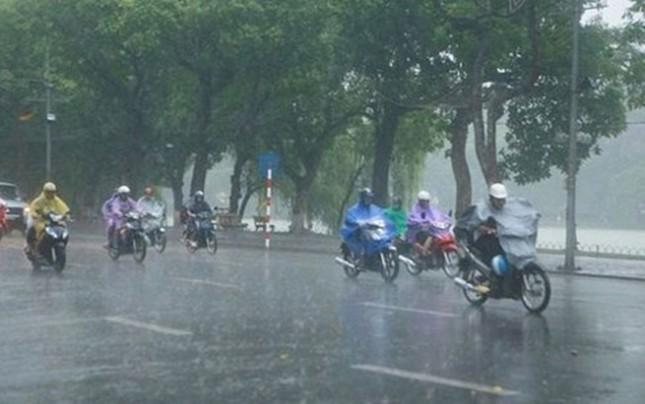 Miền Bắc hứng mưa dữ dội - ảnh 1