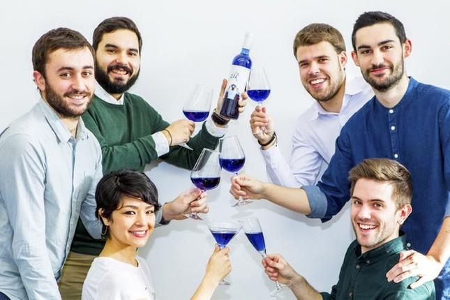 Rượu vang xanh đầu tiên trên thế giới - ảnh 5