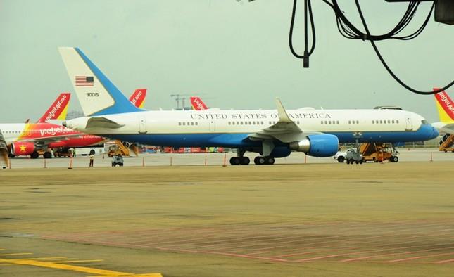 Sét đánh hỏng đường băng sân bay Tân Sơn Nhất - ảnh 1