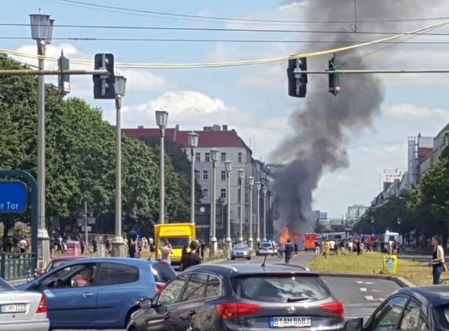 Đức: Nổ lớn tại thủ đô Berlin giữa lúc có đe dọa khủng bố - ảnh 1