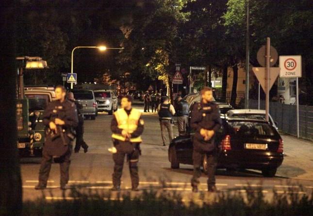 Hiện trường vụ xả súng ở Đức - ảnh 3