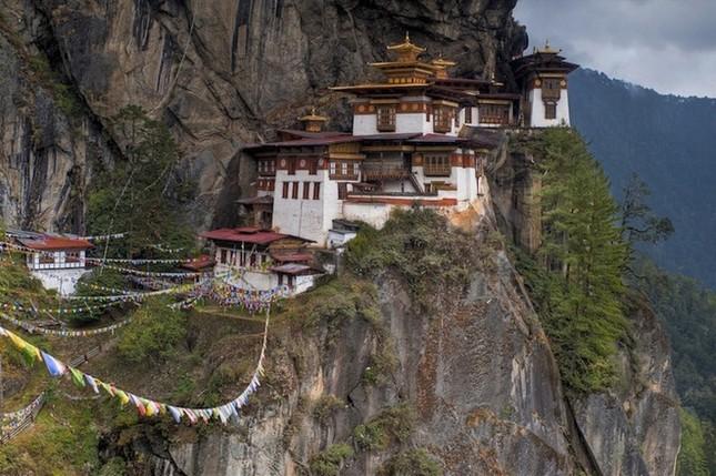 Những tu viện Phật giáo nổi tiếng nhất thế giới - ảnh 2