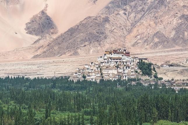 Những tu viện Phật giáo nổi tiếng nhất thế giới - ảnh 5