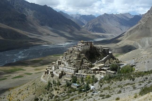 Những tu viện Phật giáo nổi tiếng nhất thế giới - ảnh 6