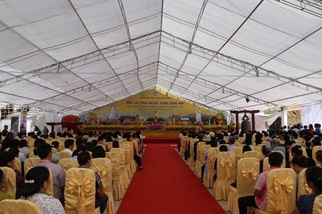 Lào Cai: Hàng nghìn người dự lễ rót đồng tượng Quan Thế Âm Bồ Tát - ảnh 1