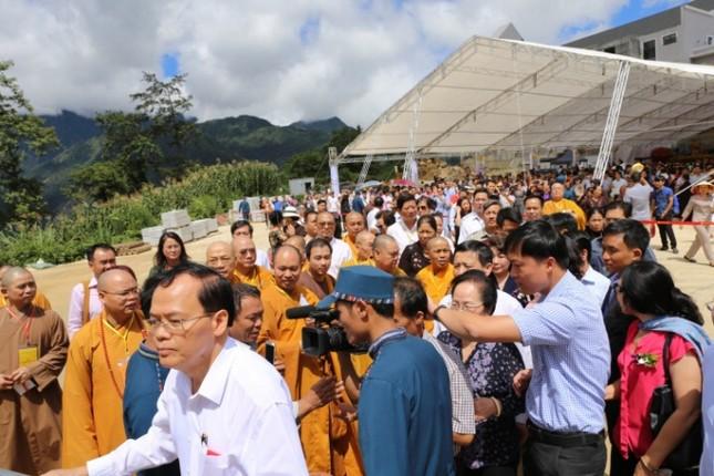 Lào Cai: Hàng nghìn người dự lễ rót đồng tượng Quan Thế Âm Bồ Tát - ảnh 10