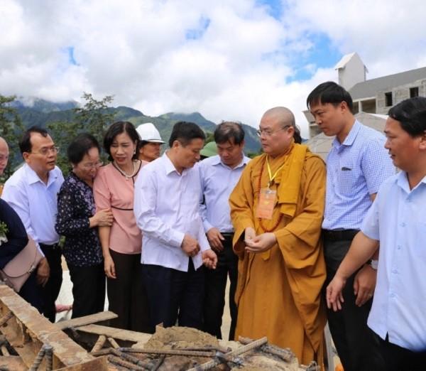 Lào Cai: Hàng nghìn người dự lễ rót đồng tượng Quan Thế Âm Bồ Tát - ảnh 12
