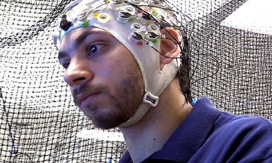 Quân đội Mỹ sắp ứng dụng công nghệ sóng não điều khiển robot - ảnh 1