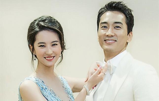 Tin Lưu Diệc Phi chia tay Song Seung Hun ngập tràn truyền thông  - ảnh 2
