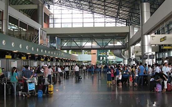 Công an vào cuộc vụ 'tín hiệu lạ' chèn sóng tại sân bay Nội Bài - ảnh 1