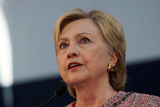 FBI thẩm vấn bà Clinton vì dùng email cá nhân khi là ngoại trưởng - ảnh 1