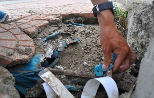 Bê tông lót xốp ở cầu vượt đường sắt Hà Nội - ảnh 4
