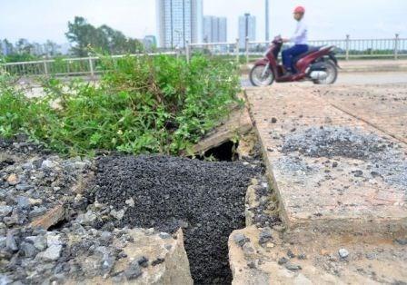 Bê tông lót xốp ở cầu vượt đường sắt Hà Nội - ảnh 7
