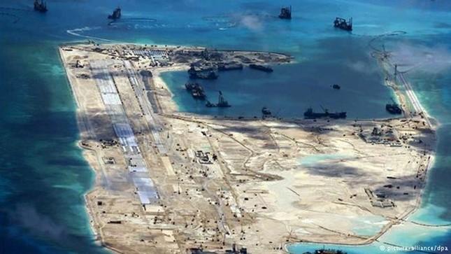 Yêu cầu Trung Quốc chấm dứt ngay tập trận trên Biển Đông - ảnh 1