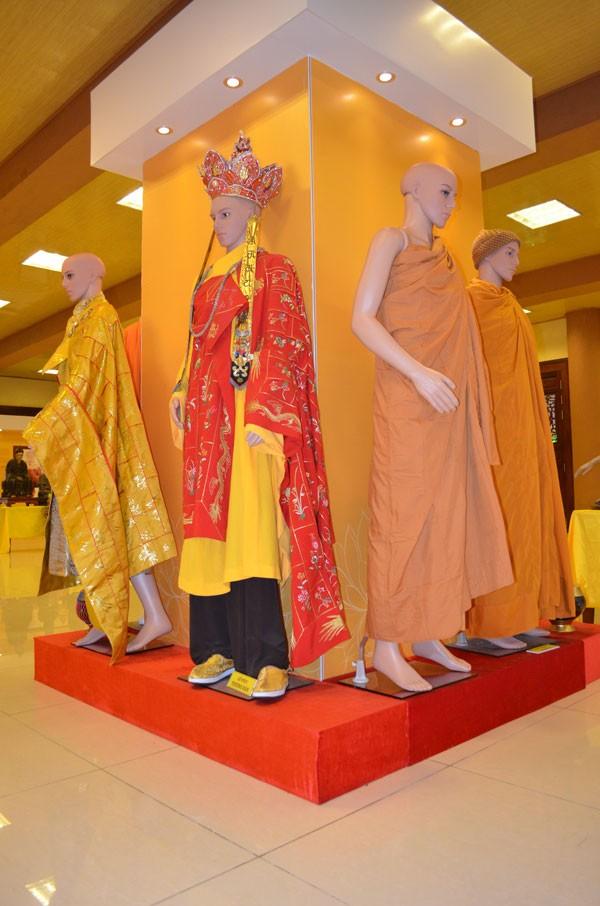 Chiêm bái tượng Phật ngọc Hòa bình Thế giới tại chùa Yên Phú - ảnh 3