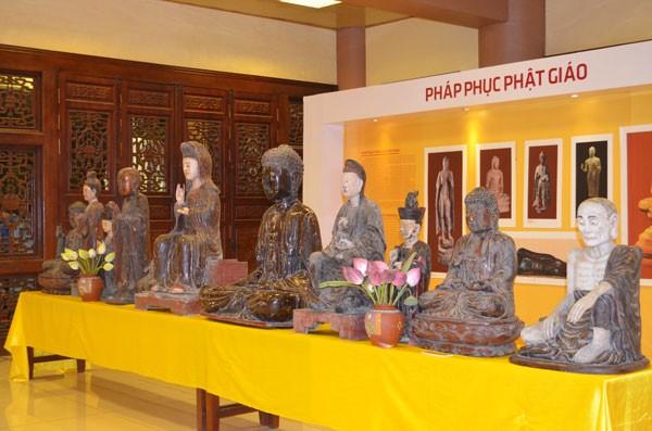 Chiêm bái tượng Phật ngọc Hòa bình Thế giới tại chùa Yên Phú - ảnh 5