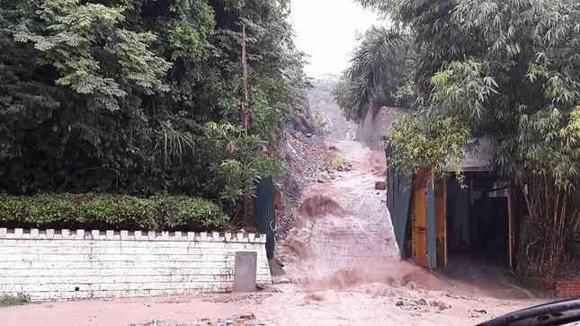 Mưa dữ dội ở Quảng Ninh, 1 người chết, 1 bị thương - ảnh 5