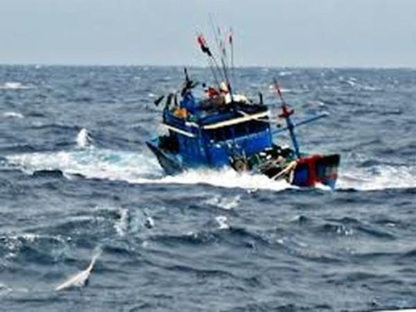 7 ngư dân mất liên lạc sau khi được cứu vớt trên biển - ảnh 1